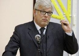 Какая биография политолога Дмитрия Куликова?