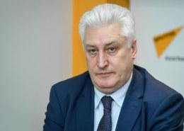 Какая биография журналиста и военного эксперта Игоря Коротченко?