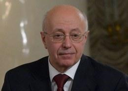 Какая биография политолога Сергея Кургиняна?